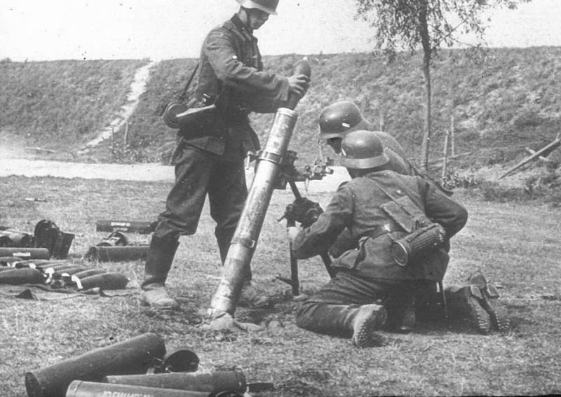 Image result for WWII GERMAN 10cm NEBELWERFER 35 NbW HEAVY MORTAR